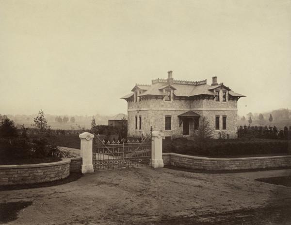 Picture of Gate lodge near Philadelphia