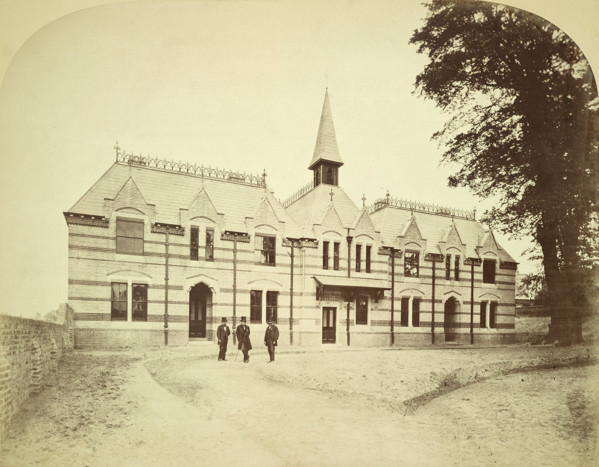 Picture of Dutch Church Almshouses, Charlton, London: the entrance front