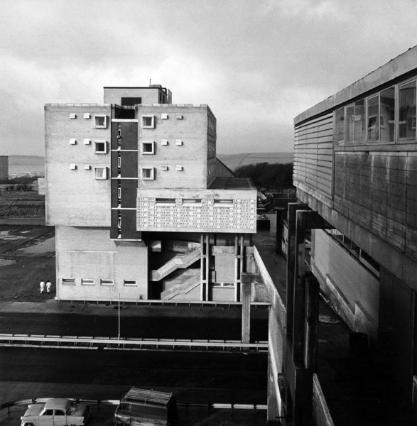 Picture of Town centre phase 1, Cumbernauld New Town: the hotel