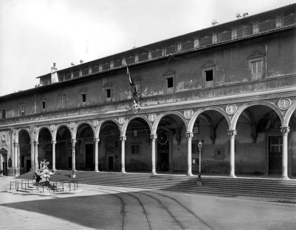 Picture of Ospedale degli Innocenti (Foundling Hospital), Piazza SS Annunziata, Florence: the loggia