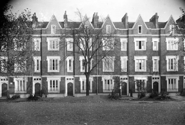 Picture of Lonsdale Square, London