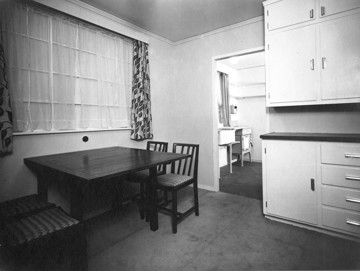 Picture of Dining space in the 'Working-Kitchen' type of house at the Birmingham Exhibition