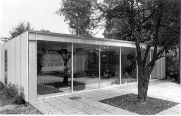 Picture of House and guesthouse for Richard Rogers's parents, 22 Parkside, Wimbledon, London