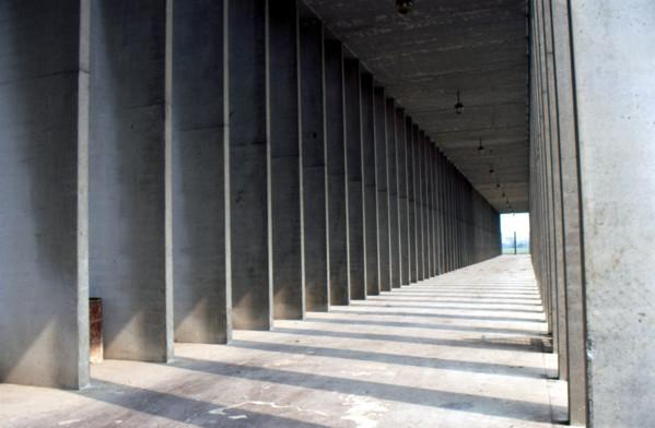 Picture of Cemetery of San Cataldo, Modena: colonnade