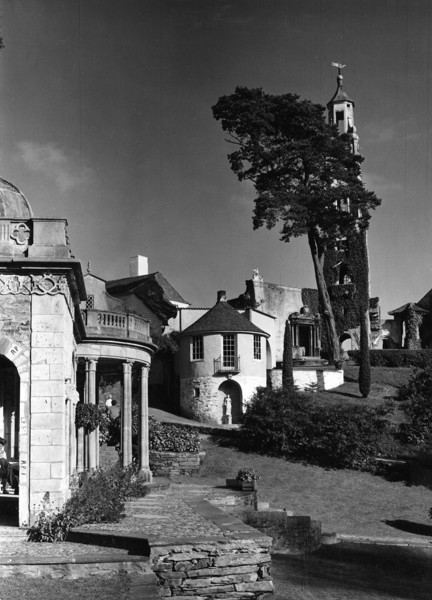 Picture of Bristol Colonnade, the Round House, Prior's Lodging and the Campanile, Portmeirion