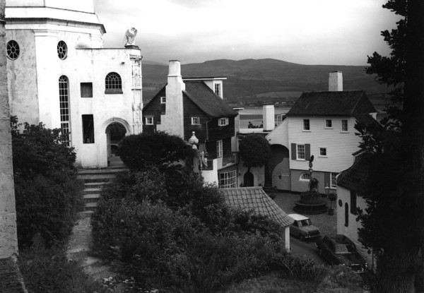Picture of Pantheon or Dome, Toll House and Battery, Battery Square, Portmeirion