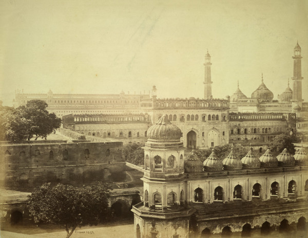 Picture of Bara Imambara complex, Lucknow: showing the second courtyard, Imambara and Asafi Mosque
