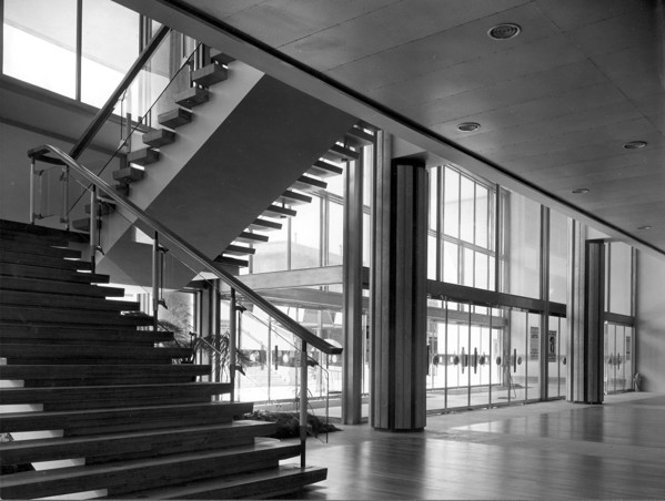 Picture of Royal Festival Hall, South Bank, London: the Hungerford Bridge entrance
