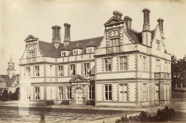 Picture of Garboldisham Manor, Norfolk: the entrance front