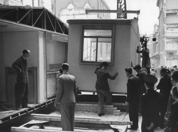Picture of Aluminium temporary house under construction