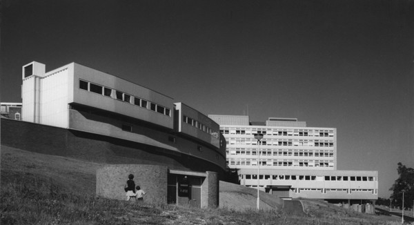 Picture of Extension to Torbay Hospital, Phase I, Torquay, Devon: the theatre, pharmacy and pathology block