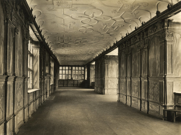 Picture of Haddon Hall, Derbyshire: the long gallery