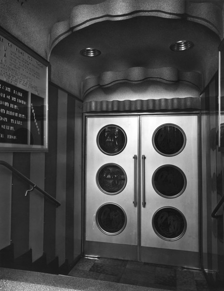 Picture of Eros News Theatre, 7 Shaftesbury Avenue, corner of Piccadilly Circus, London: doors to the auditorium