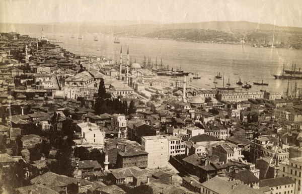 Picture of Third Hill of Istanbul with the Suleymaniye Mosque in the centre overlooking the Golden Horn