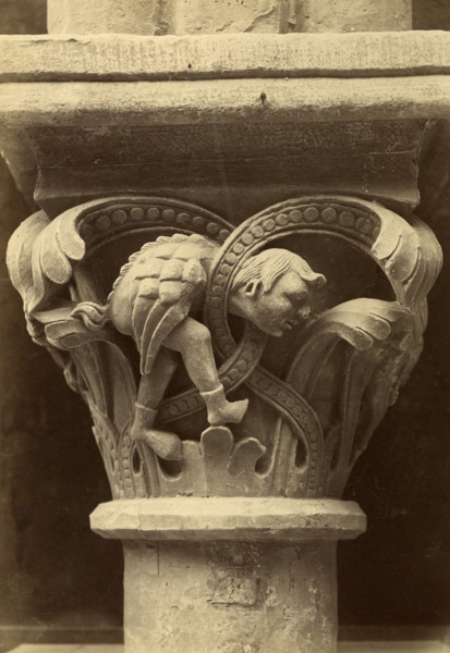Picture of Cathedral of Notre Dame, Laon, Picardy: a capital of the nave arcade
