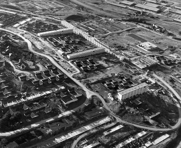 Picture of Castlefields under construction, Runcorn New Town
