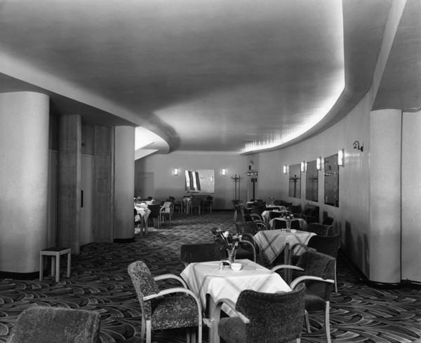 Picture of Rialto Super cinema, Penny Street, Blackburn, Lancashire: the foyer cafe