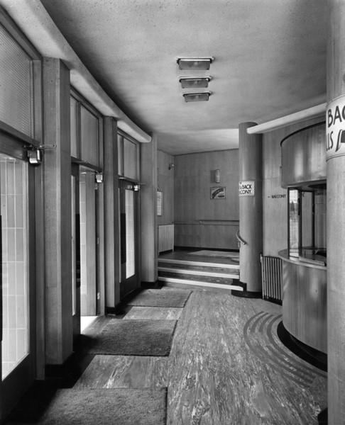 Picture of Rialto Super cinema, Penny Street, Blackburn, Lancashire: the entrance vestibule
