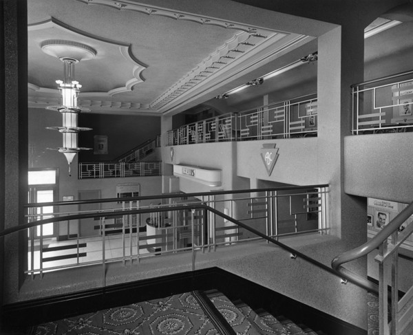 Picture of ABC New Regent cinema, Old Swan, Knotty Ash, Liverpool: the entrance foyer seen from the half landing of the staircase to the circle