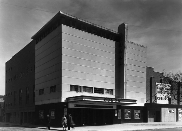 Picture of Odeon cinema, 211 Hackney Road between Thurtle Road and Scawfell Street, Hackney, London: the canopied entrance facade