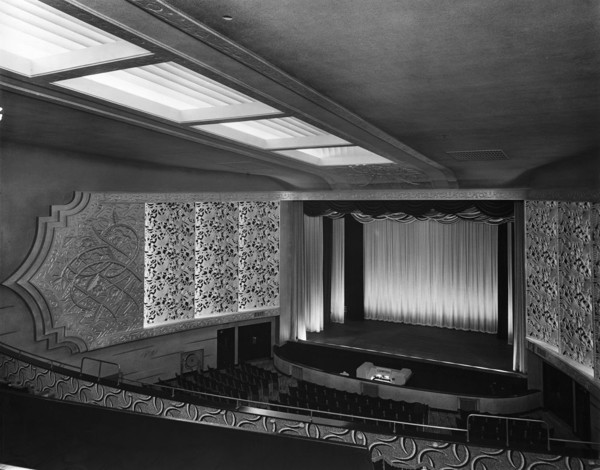 Picture of ABC Regal cinema, Bridlington, East Riding of Yorkshire: the auditorium seen from upper circle right