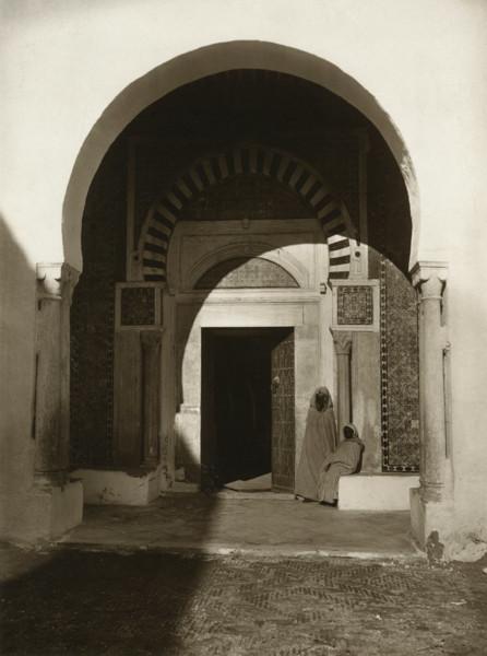 Picture of A doorway, Tunis