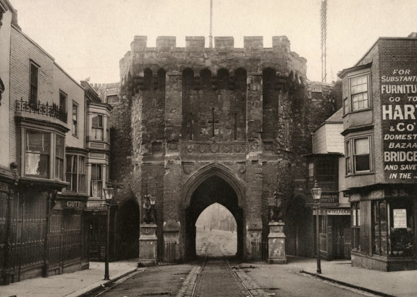 Picture of Bargate, Southampton, seen from the north
