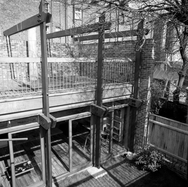 Picture of 15 Torriano Cottages off Leighton Road, Kentish Town, London: the roof terrace