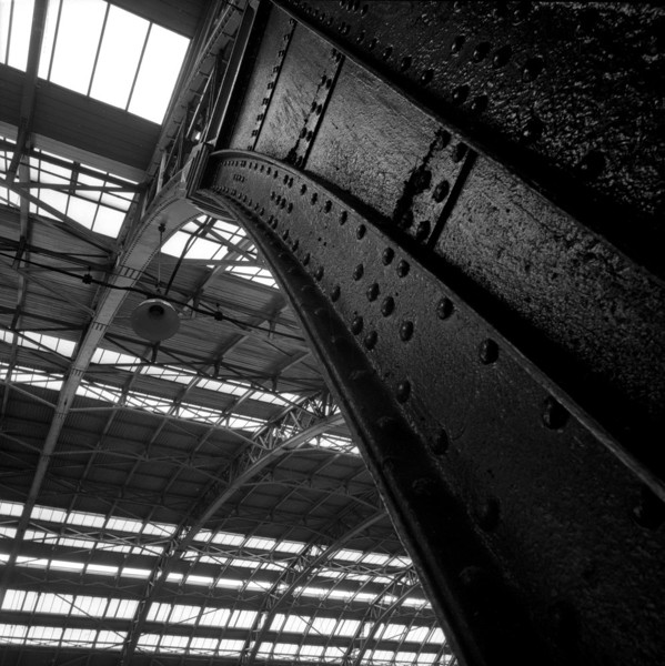 Picture of St Pancras Station, Euston Road, London: structural detail of the train shed