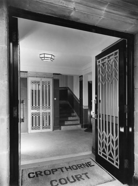 Picture of Cropthorne Court, Maida Vale, London: the entrance vestibule