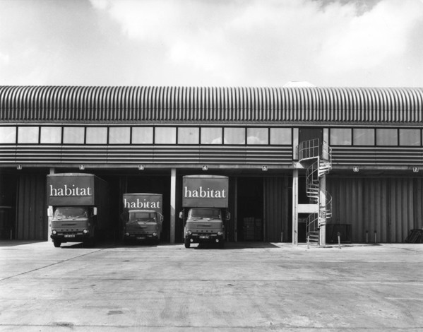 Picture of Habitat warehouse, Wallingford, Oxfordshire: the loading area