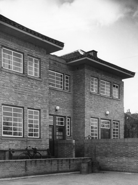 Picture of Adam & Eve public house, Uxbridge Road, Hayes, London: the rear elevation