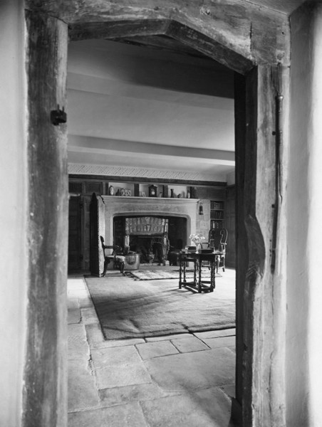 Picture of Halewell Close, Withington, Gloucestershire: the inner hall