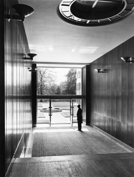 Picture of Arlington House, St James's, London: the entrance hall
