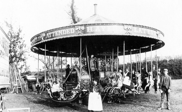Picture of Steam driven roundabout, Westington Green, Chipping Campden
