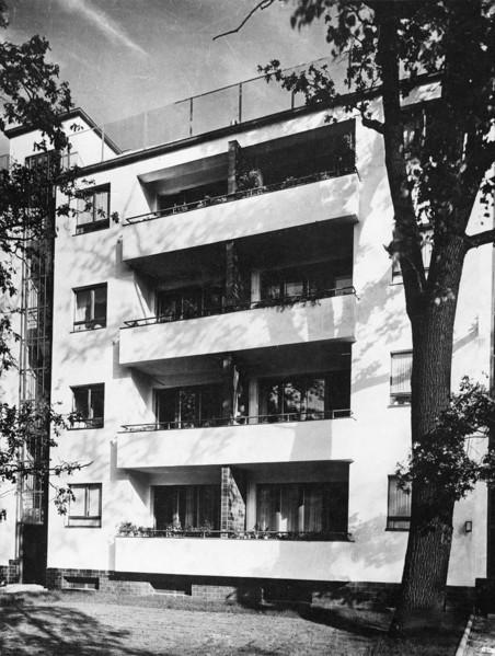 Picture of Siemensstadt housing estate, Berlin: one of the blocks