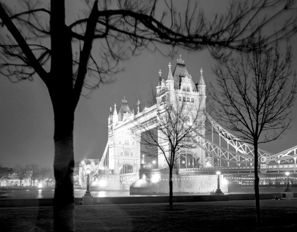 Picture of Tower Bridge, London, floodlit at night