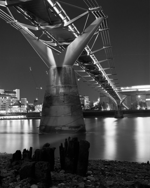 Picture of Millennium Bridge, London, seen from the north bank at night